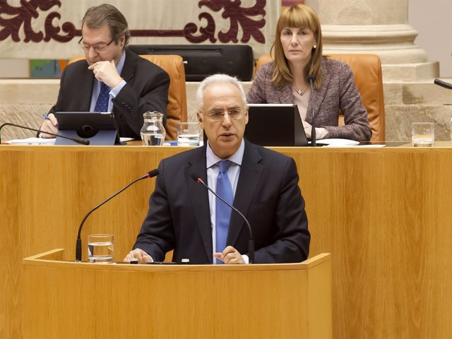 El presidente del Gobierno José Ignacio Ceniceros interviene en el Parlamento
