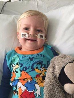 Dylan Askin tras salir del coma que le había producido el cáncer de pulmón