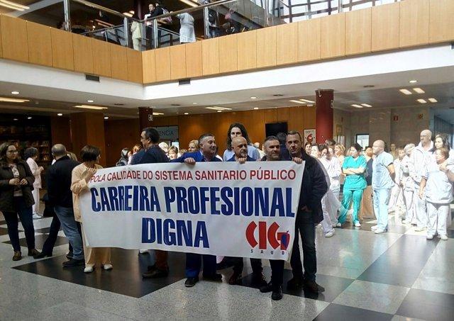Protesta convocada por CIG-Saúde en defensa de la Carrera Profesional.