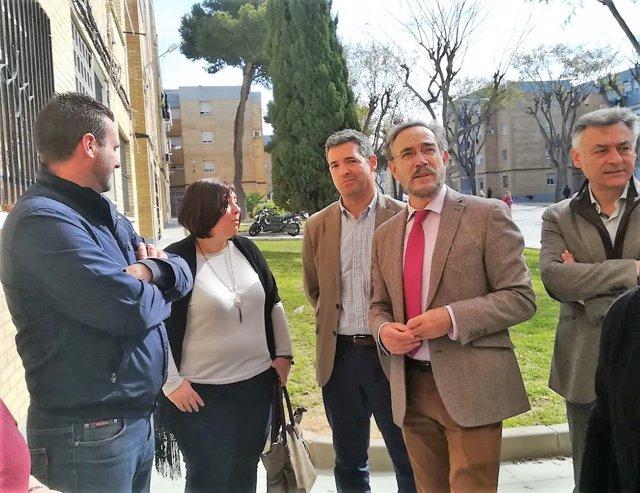 Felipe López visita obras en Rota
