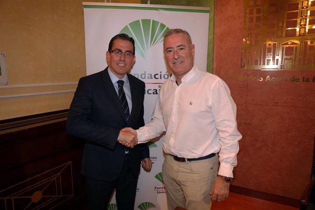 Sergio Corral Fundación Unicaja con el presidente del Colegio de Economistas de