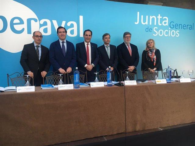 Garamendi y miembros de Iberaval en Burgos.