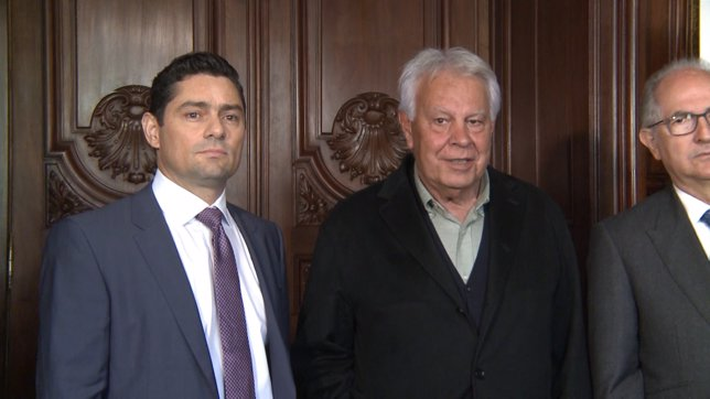 Felipe González en rueda de prensa con opositores venezolanos