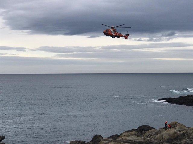 Dispositivo por joven desaparecida en la playa del Orzán en A Coruña