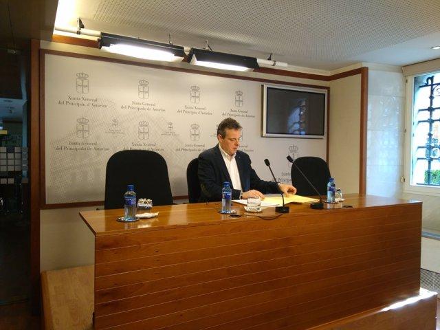 Portavoz del Grupo Parlamentario Socialista en la Junta, Marcelino Marcos Líndez