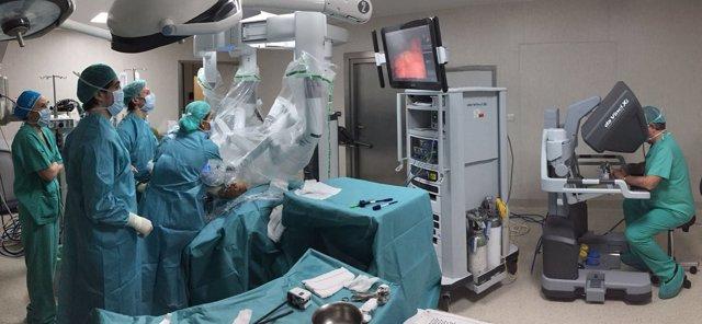Operación con el robot Da Vinci