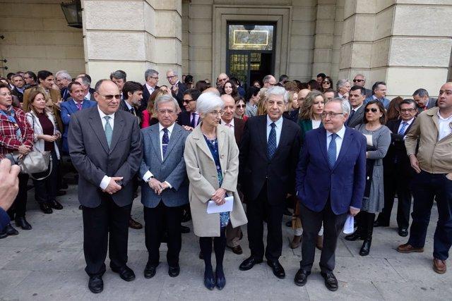 Concentración de jueces y fiscales en Sevilla