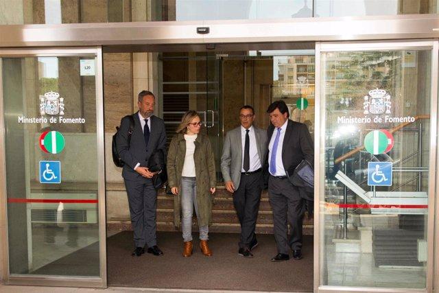 5.4.18 Nota Y Fotos Ayto Huelva (Reunión Ministerio Fomento)