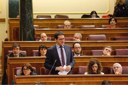 El PSOE exige al Gobierno un bono social para que colectivos vulnerables tengan acceso a Internet