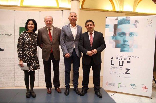 Inauguración de la muestra en la Casa de la Provincia de Sevilla