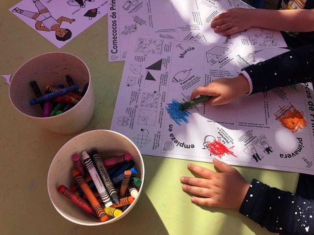 Miles de niños participan en los talleres que se imparten en los Jardines