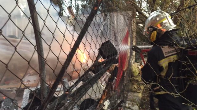 Incendio de ocho infraviviendas en Pinto