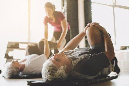 Los estiramientos mejoran la movilidad en mayores