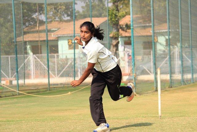 Anusha, una de las beneficiarias del programa de deportes de la FVF