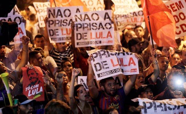 Seguidores de Luiz Inácio Lula da Silva