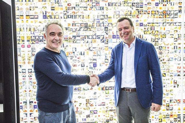 Ferran Adriá y Josep Tejedo firman un acuerdo de colaboración