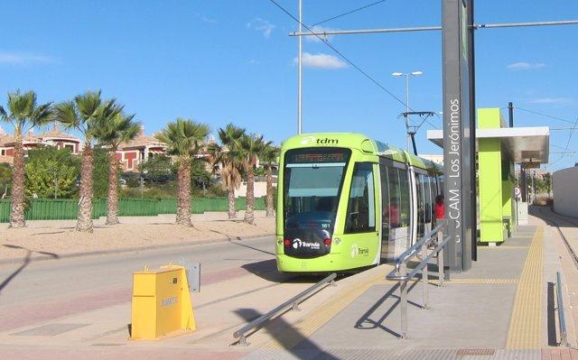 El tranvía en la parada