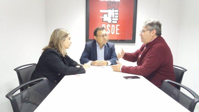 Miguel Ángel Heredia y Begoña Tundidor se reúnen con autoescuelas examinadores