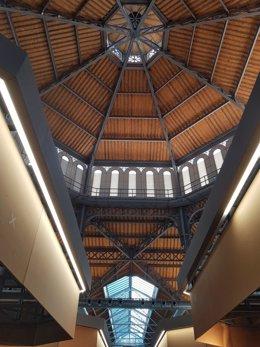 Interior del Mercat de Sant Antoni antes de su reapertura
