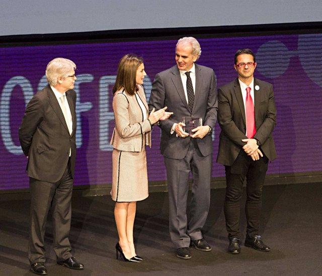 Pie De Foto, Audio (Ruiz Escudero) Y Fotos: La Comunidad Recibe El Premio Al Mej