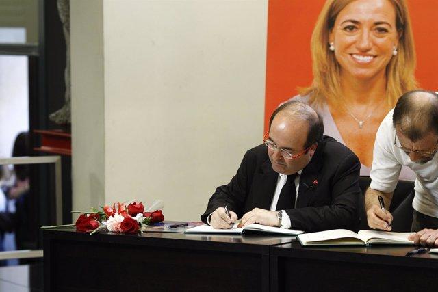 Miquel Iceta se despide de Carme Chacón en Ferraz (Archivo)