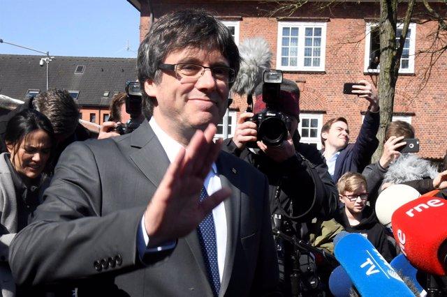 Carles Puigdemont a la salida de la cárcel en Alemania