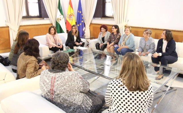 Susana Díaz se reúne con colectivos para abordar el último 8 de marzo