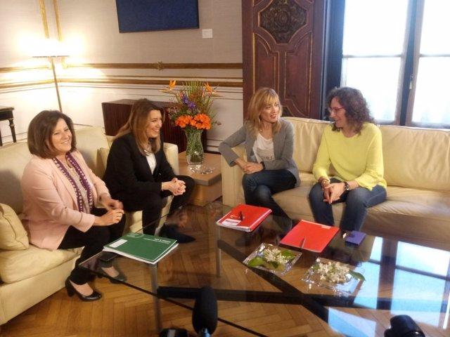 La presidenta de la Junta, Susana Díaz, con Nuria López y Carmen Castilla