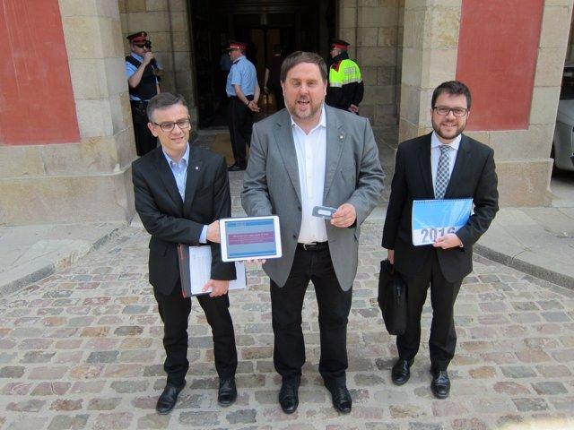 J.M.Jové, el vpte.Oriol Junqueras y P.Aragonès