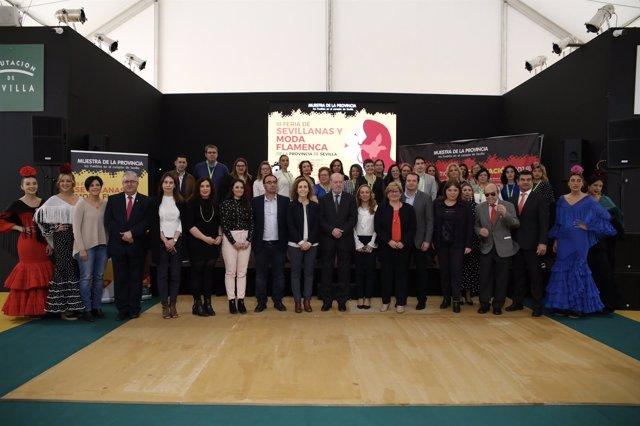 Inauguración de la muestra en la Diputación