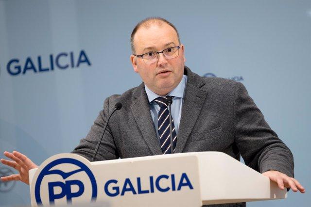 El secretario general del PPdeG, Miguel Tellado, en la rueda de prensa