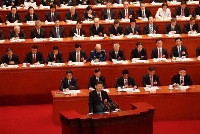 Xi Jinping pronuncia un discurso ante la Asamblea Popular