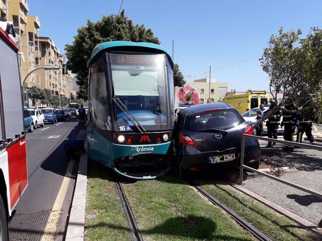Colisión entre el tranvía y un coche