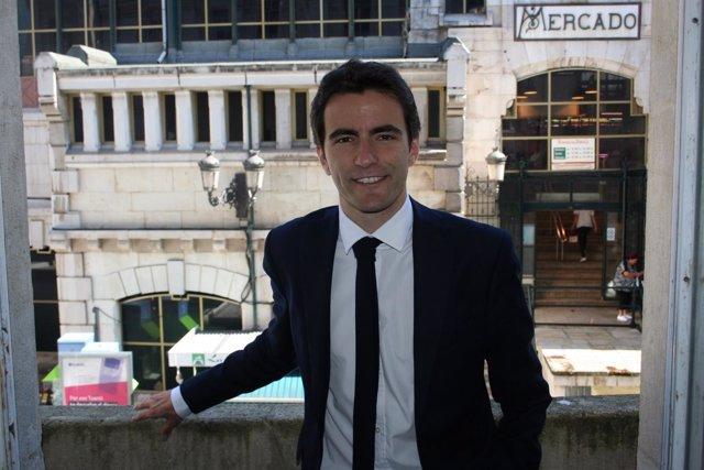Pedro Casares, secretario general del PSOE Santander y portavoz del Ayuntamiento