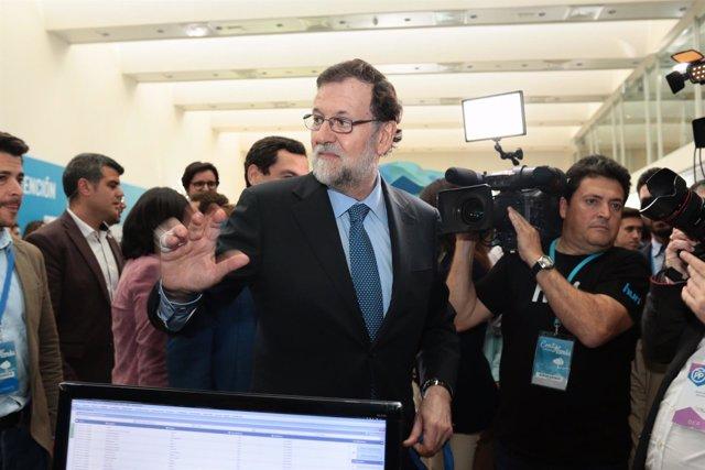 Mariano Rajoy a su llegada a la Convención Nacional del PP