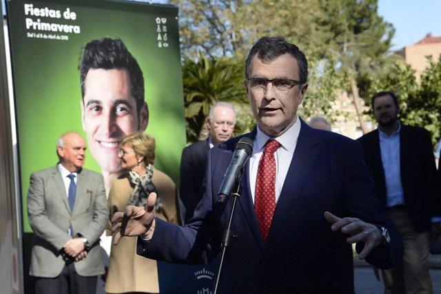 El alcalde Ballesta en la presentación Fiestas Primavera