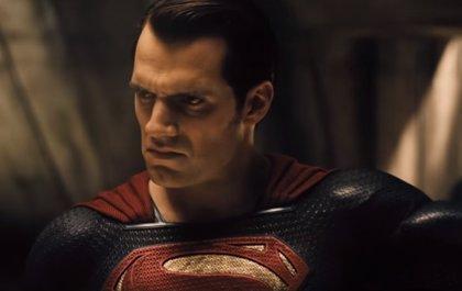 Zack Snyder explica, al fin, por qué Superman es malvado en Batman v Superman