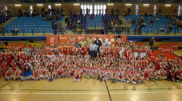 Presentación de la SuperLiga DIA baloncesto en Astillero