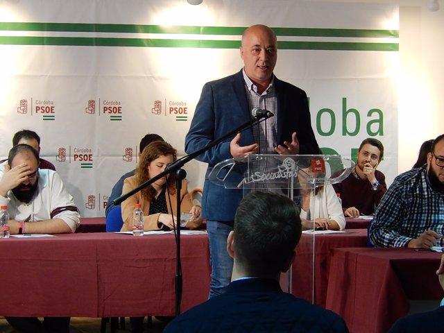 El secretario general del PSOE de Córdoba, Antonio Ruiz