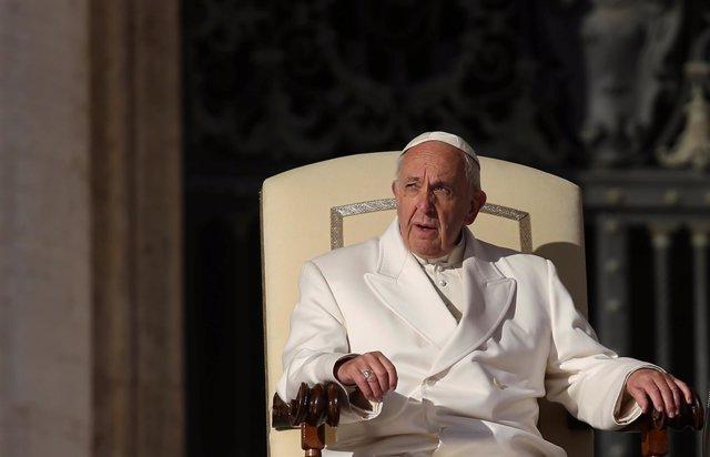 El Papa Francisco en la plaza de San Pedro del Vaticano