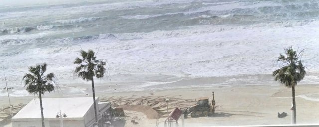 Playa de Cádiz en pleno temporal