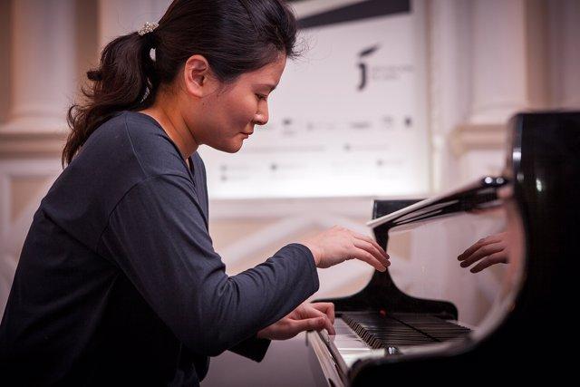 Pianista participante en el Concurso Jaén de piano