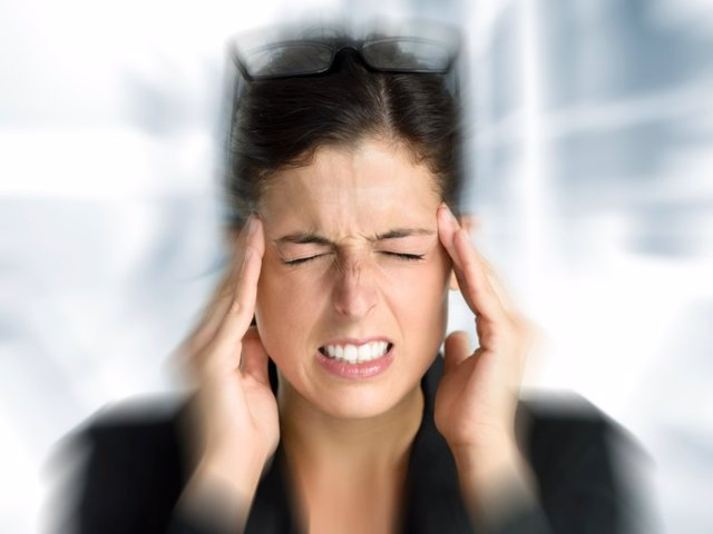 Mareo, dolor de cabeza, estrés