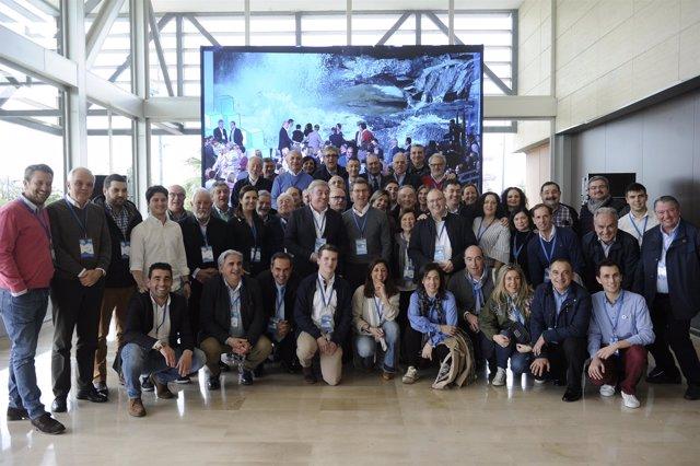 Delegación del PPdeG en la convención nacional del partido en Sevilla