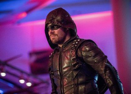 """Arrow cerrará su sexta temporada con un cliffhanger """"sin precedentes"""""""