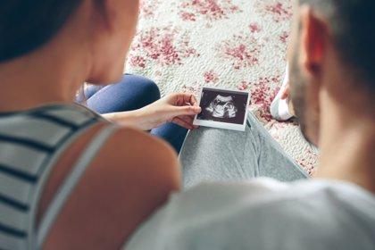 Más de la mitad de las mujeres españolas tienen su primer hijo pasados los 30 años