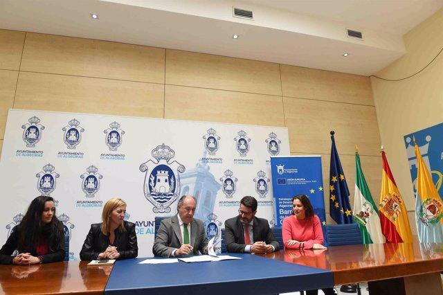 Firma de contrato del Ayuntamiento de Algeciras para el plan de smart city