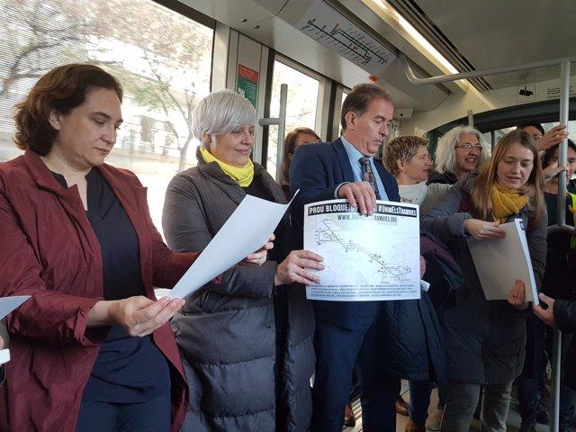 Alcaldes metropolitanos en el tranvía para defender su conexión