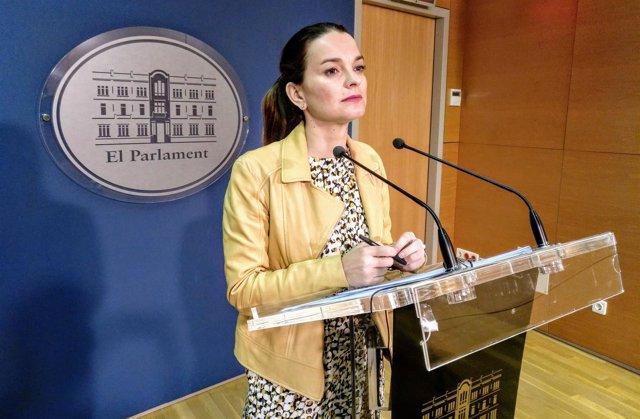La portavoz del PP, Margalida Prohens, en rueda de prensa. Abril 2018.