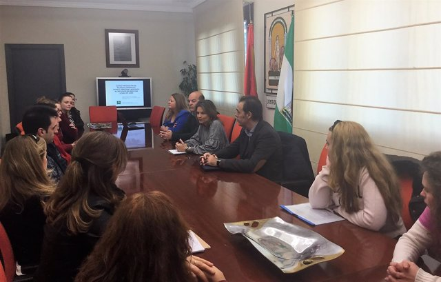 Reunión con alumnos que realizarán prácticas en el IML de Jaén.